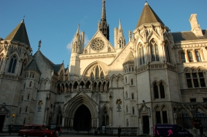 Royal_courts_of_Justice_with_sunshine by sweiss at essex